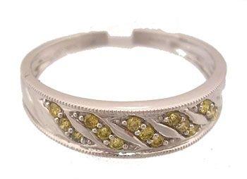1916: 14KW .15ctw Yellow Diamond band Ring