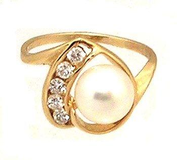 5903: 14kt y 7.5mm White Pearl .25cttw Daimond heart ri