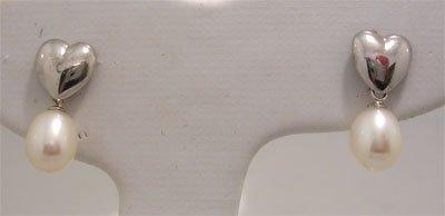 1208: 14ktw 6.5x8mm White Pearl Dangle Heart Earrings