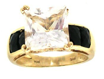 1608: 10ky 3ct Princess White Topaz Black Onyx ring