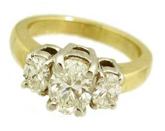 1338: 14KY 1.51cttw Oval Diamond 3 stone ring APPRAISAL
