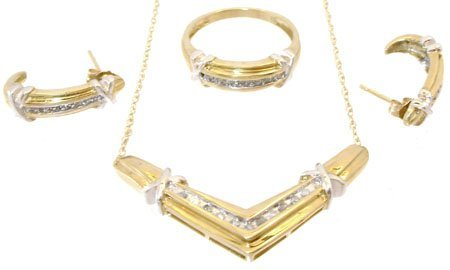 1911: 10kt 1/3 ct Diamond ring necklace earring x set