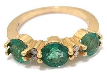 609: 14KY 1ct Columbian Emerald 3 stone dia band ring