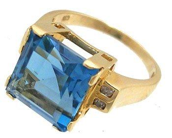 611: 14KY 5.50ct Blue Topaz Square Diamond Ring