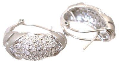 8210: 14KW 1cttw Diamond pave 1/2 hoop satin earring