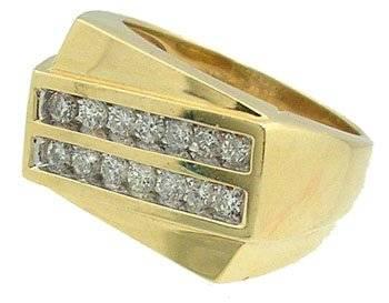 14KY .70cttw Diamond Round Diagonal Mens Ring