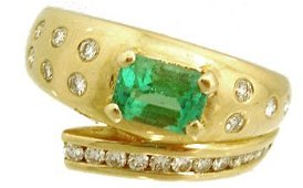 879: 14KY .86ct Emerald E-cut .41ct Diamond Band Ring