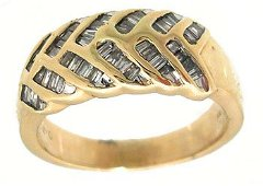 962: 14KY .50cttw Diamond bagg channel band ring