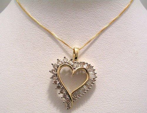 814: 10KY .95cttw Diamond Bag Rd Heart Necklace