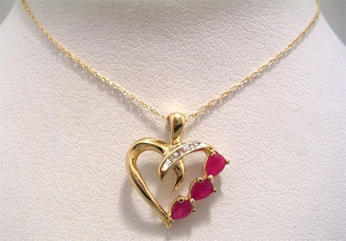 10029: 10KY .18cttw Pear Ruby Diamond Heart Necklace