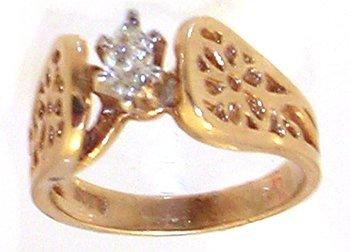 1302: 14KY .50cttw Diamond Marq Solitare Flower Eng Rin