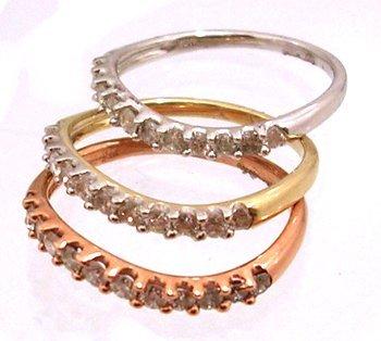 1814: 10KT 1.00cttw Diamond Rd Pave Tri Color 3 Band Ri