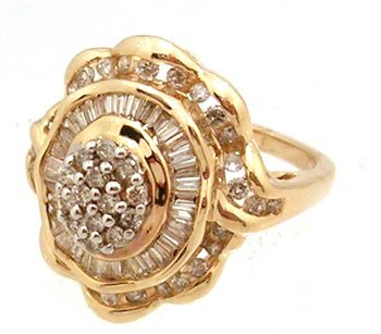 2115: 14KY 1.01cttw Diamond Rd Bagg Cluster Ruffle Ring