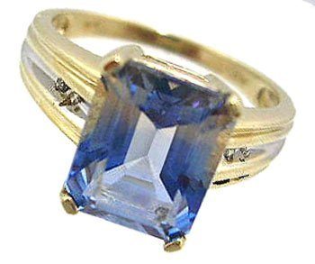 1329: 10KY 2ct Treated Blue Topaz E-cut Diamond Ribbed