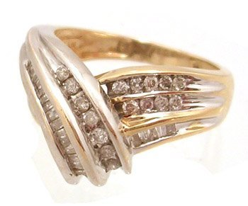 819: 14KY .50cttw Diamond Baguette Rd Swirl Ring