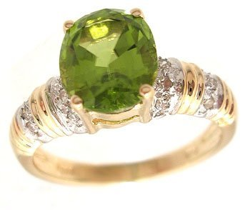 5101: 14KY 2.31ct Peridot Oval Diamond Rd Ribbed Ring