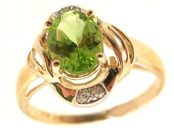 2101: 14KY 1.26ct Peridot Oval Diamond Ribbed Ring