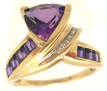 2106: 10KY 3ct Amethyst Trillion Square Diamond Swirl R