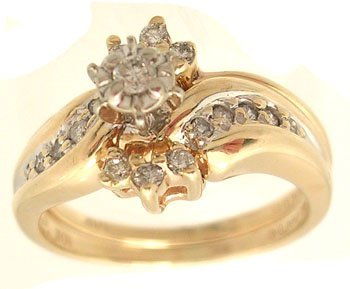 2110: 14KY .13ctw Diamond Bridal Set Ring