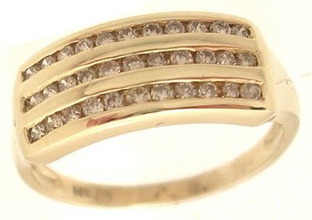 2111: 14KY .33ctw Diamond Three Row Ring