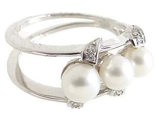 18KWG 4/5.5mm 3 white pearl dia open ring