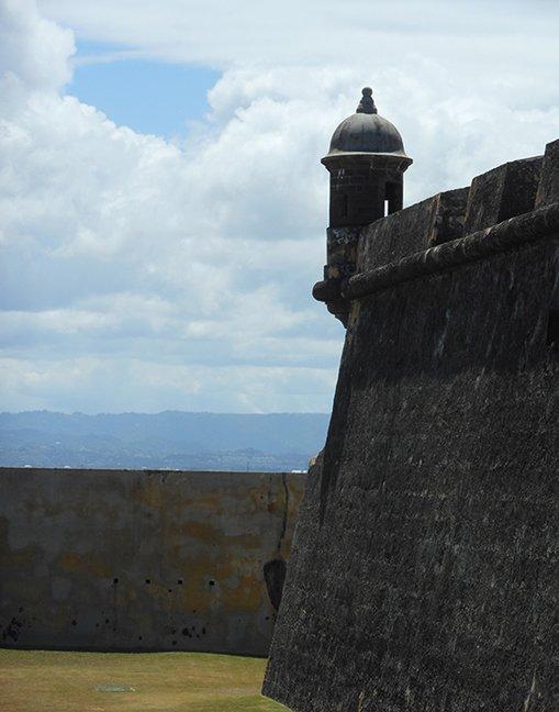 Castillo San Felipe Del Morrow I by Phil Gilchrist