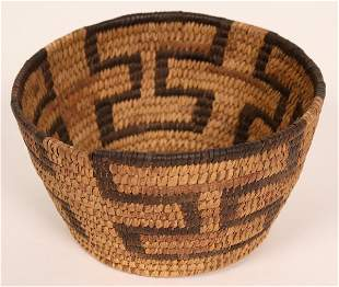 Vintage Tohono O'dham Basket [135585]