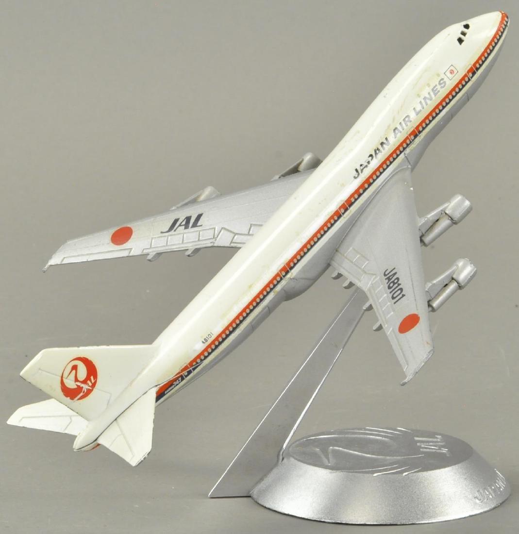 JAPAN AIRLINES DESKTOP PAPER WEIGHT