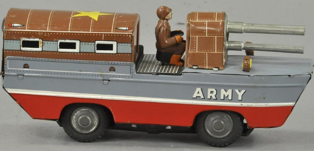 JAPANESE AMPHIBIOUS ARMY VEHICLE - 3