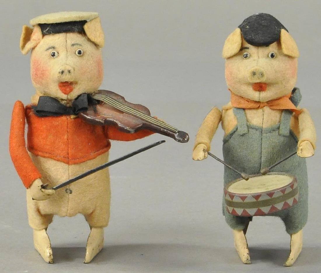 SCHUCO PIG DRUMMER & VIOLINIST