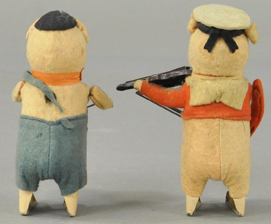 SCHUCO PIG DRUMMER & VIOLINIST - 2