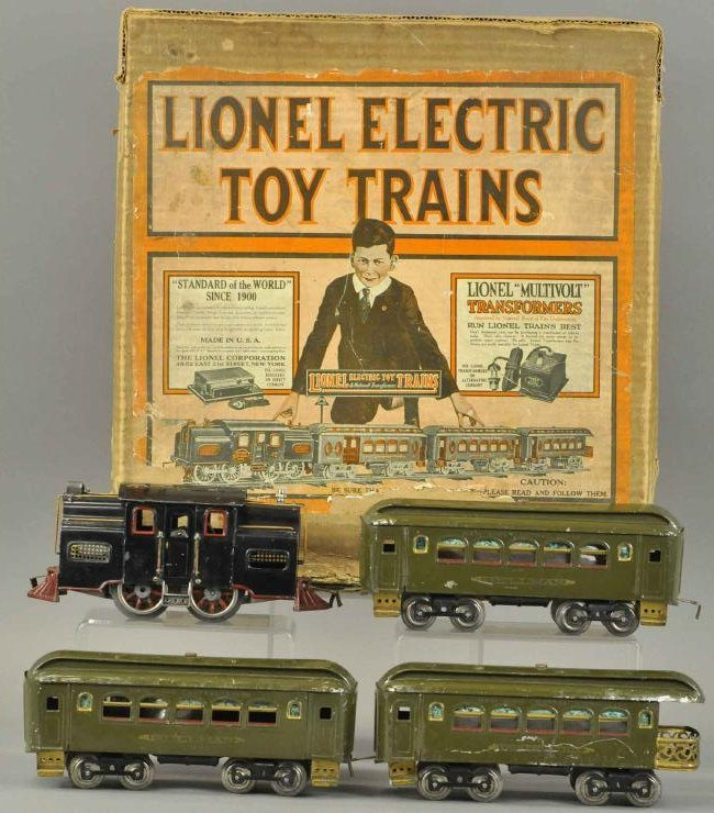 BOXED LIONEL STANDARD GAUGE #33 LOCO AND CARS
