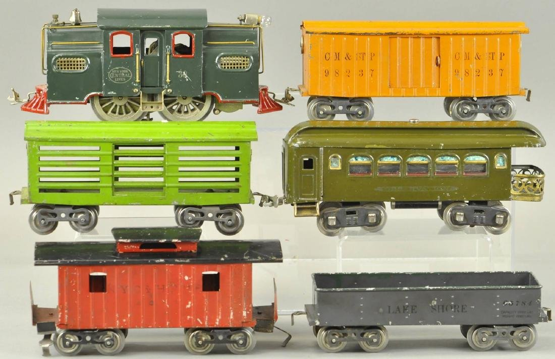 LIONEL STANDARD GAUGE #38 LOCOMOTIVE AND 5 CARS