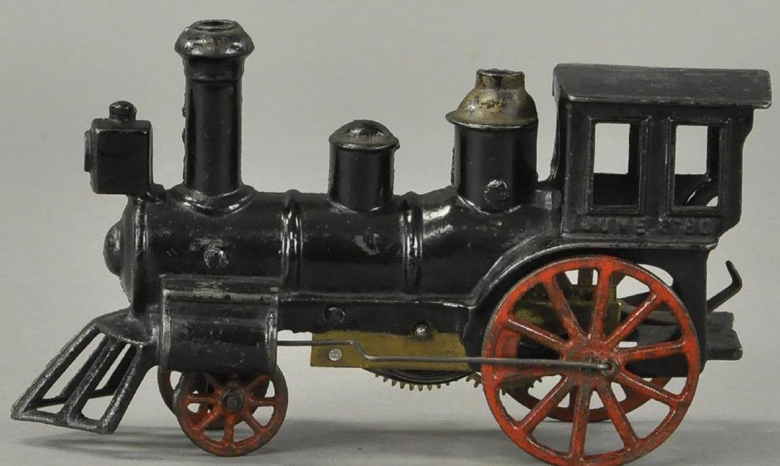 EARLY CLOCKWORK CARPENTER FLOOR LOCOMOTIVE - 3