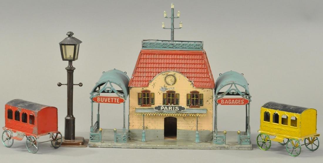 F.V. TRAIN STATION, LAMP & PASSENGER CARS