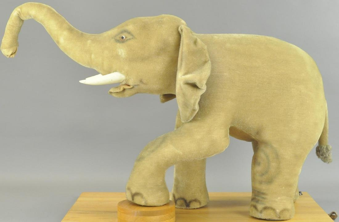 STORE DISPLAY STEIFF ELEPHANT
