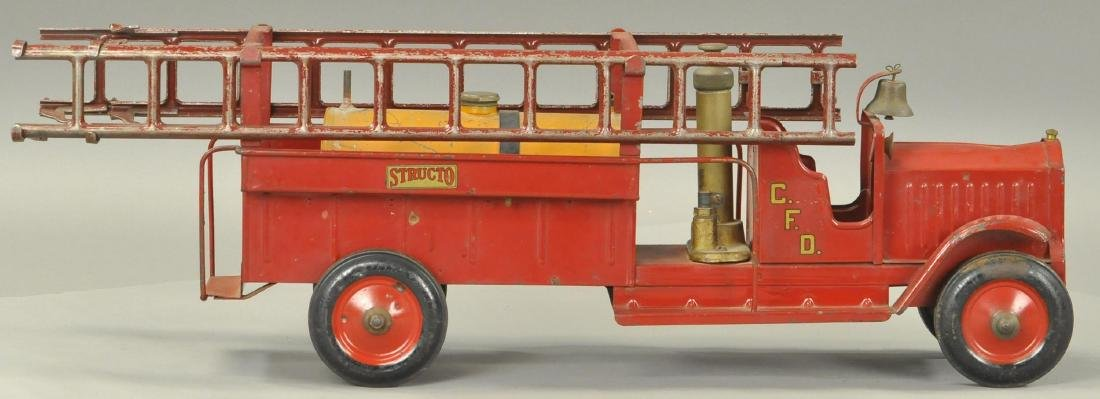 STRUCTO PUMPING FIRE ENGINE
