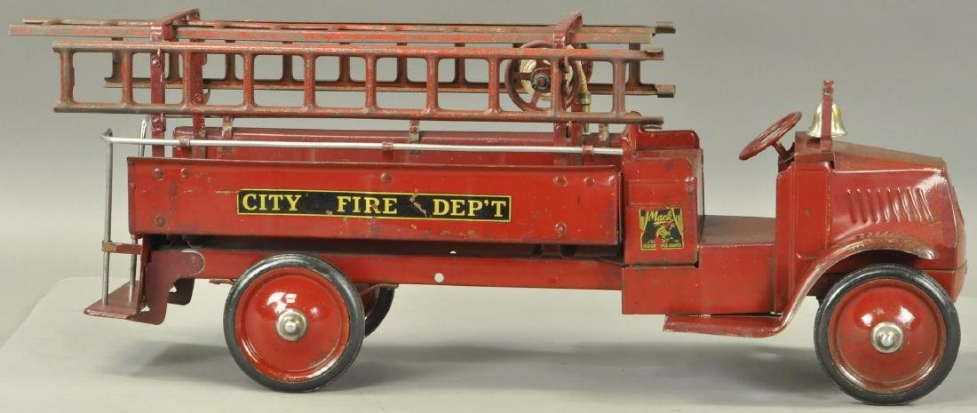 STEELCRAFT MACK FIRE LADDER TRUCK