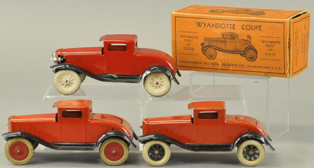 WYANDOTTE COUPES - THREE VARIATIONS
