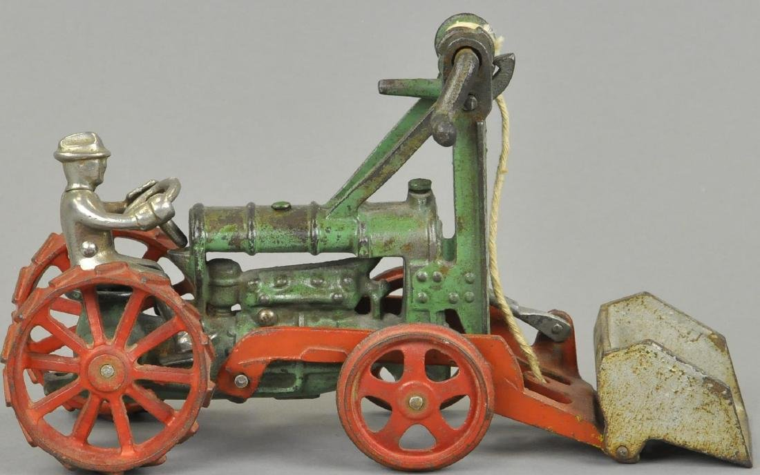 HUBLEY TRACTOR WITH SCOOP