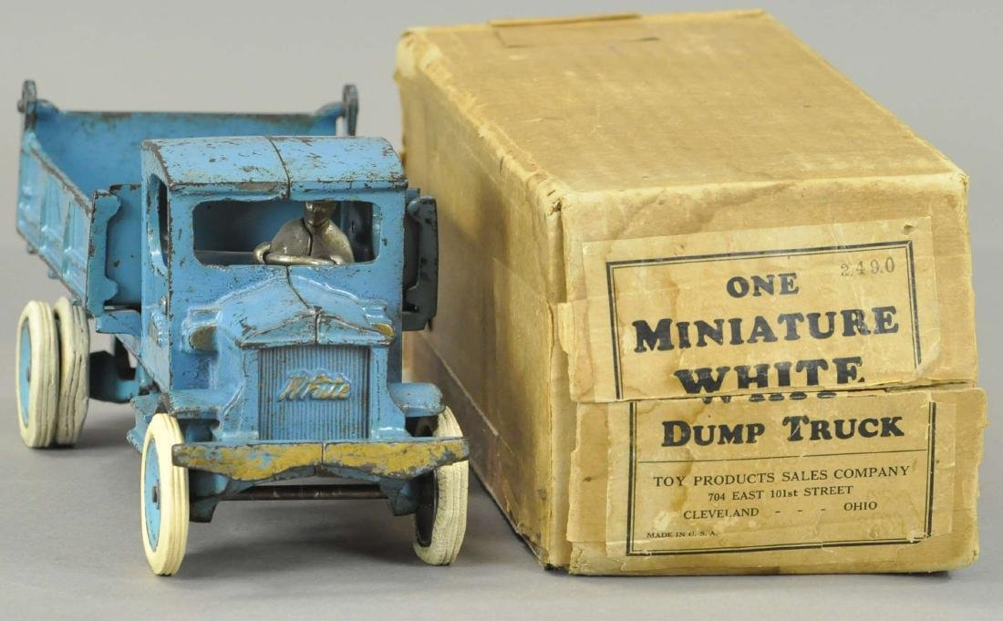 ARCADE WHITE DUMP TRUCK W/ORIGINAL BOX