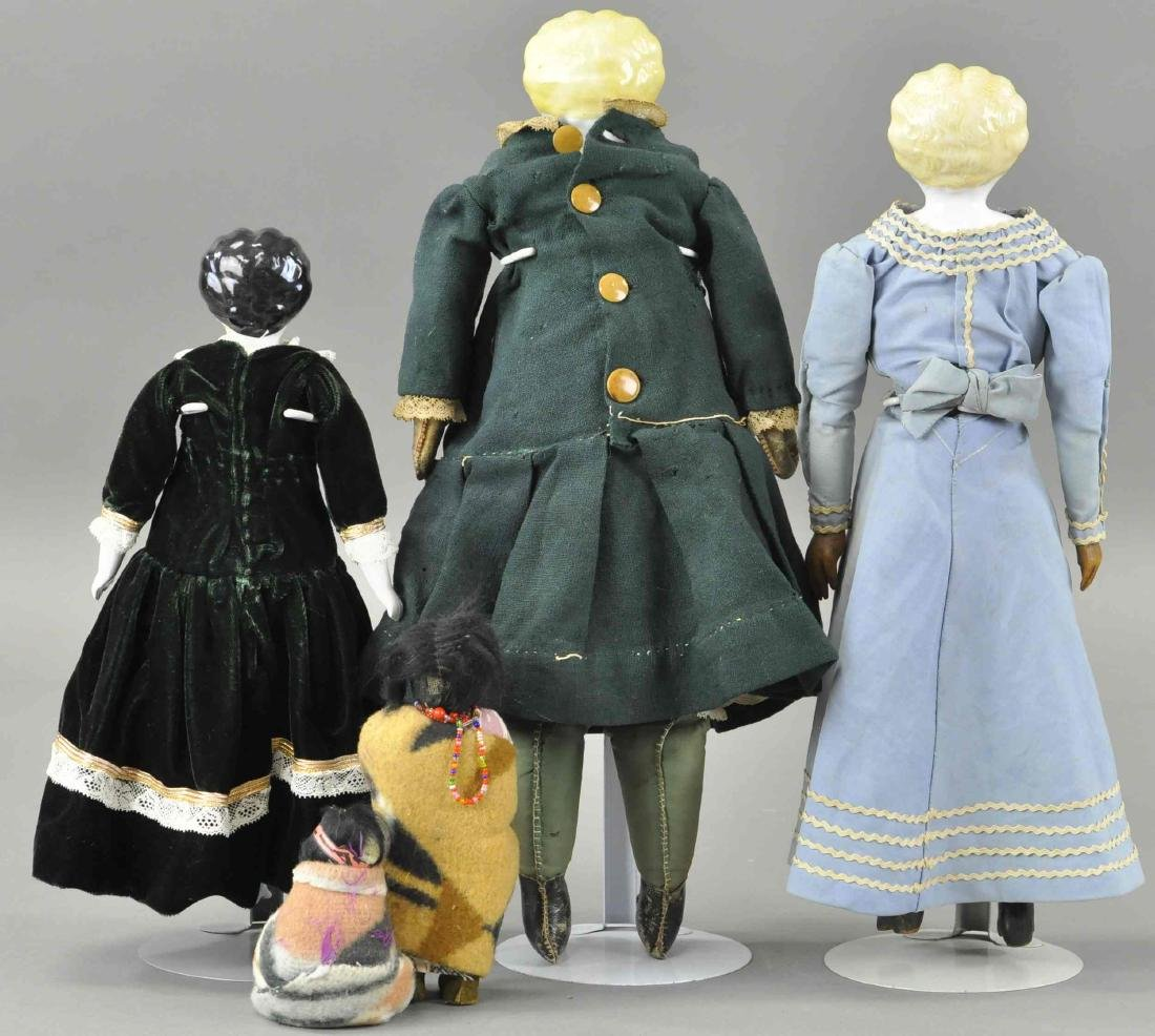 LOT OF FIVE MISCELLANEOUS DOLLS - 2