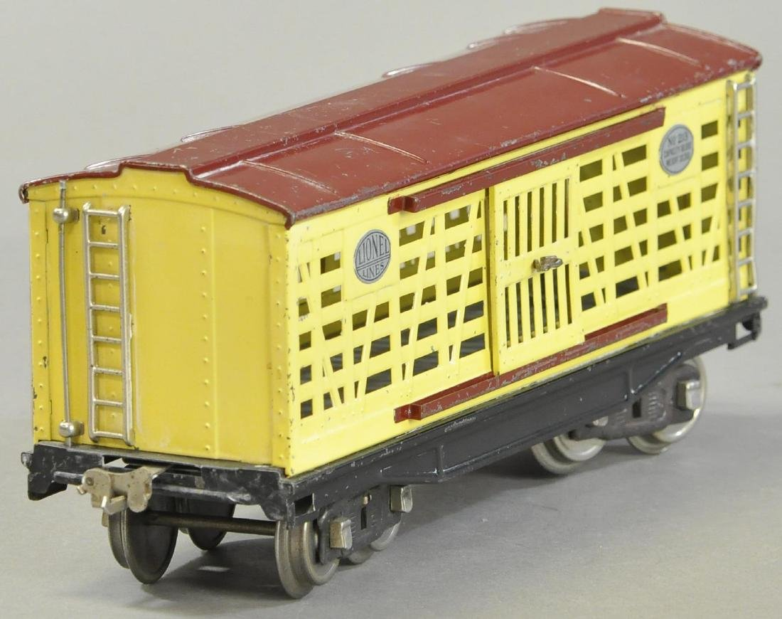 LIONEL NO.213 CATTLE CAR - 2