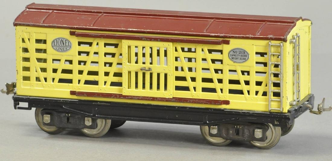 LIONEL NO.213 CATTLE CAR - 3