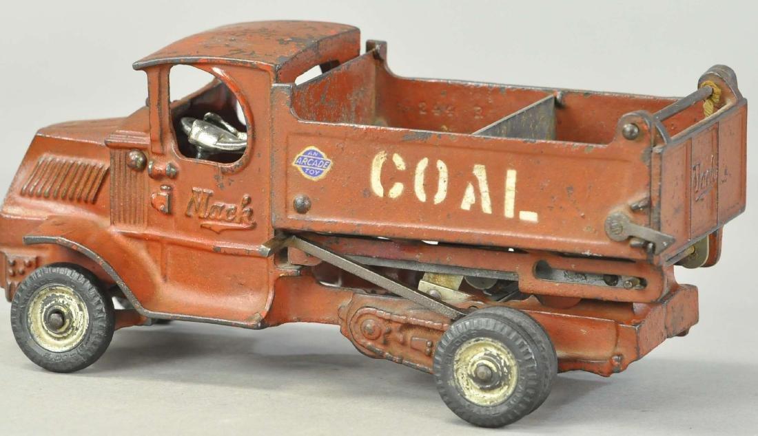 ARCADE MACK SCISSOR LIFT COAL DUMP - 3