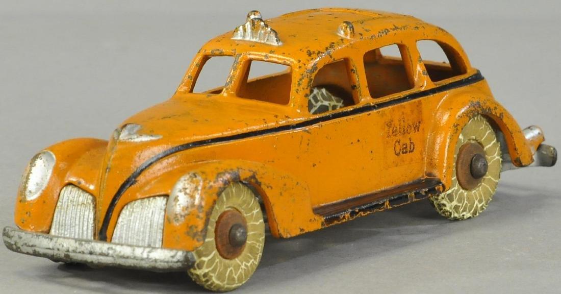 ARCADE 1940S YELLOW CAB