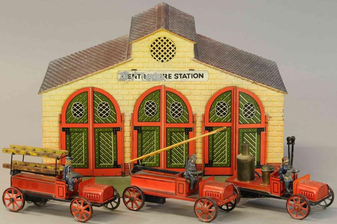 BING FIRE STATION W/ THREE AUTOS