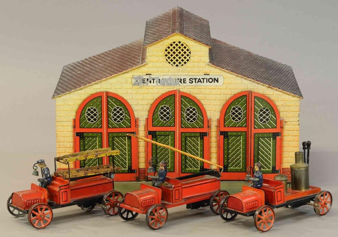 BING FIRE STATION W/ THREE AUTOS - 2