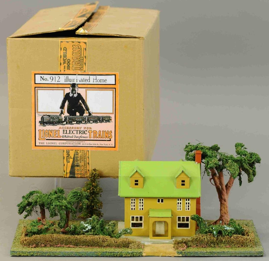 BOXED LIONEL 113 ILLUMINATED HOME PLOT