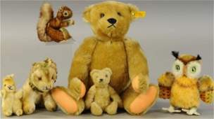 LARGE GROUP OF STEIFF ANIMALS AND BEARS